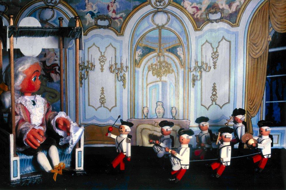 Thématique musique - La Symphonie des Jouets - Marionnettes